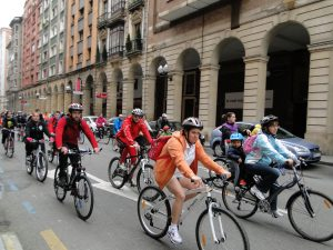bicicletada por las calles de gijon 30 dias en bici