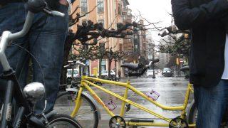 Bicicletada por el compromiso en Gijón.