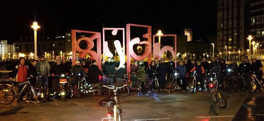 Foto Paseo nocturno Kick off Ride 2016 - 30 Días en Bici Gijón