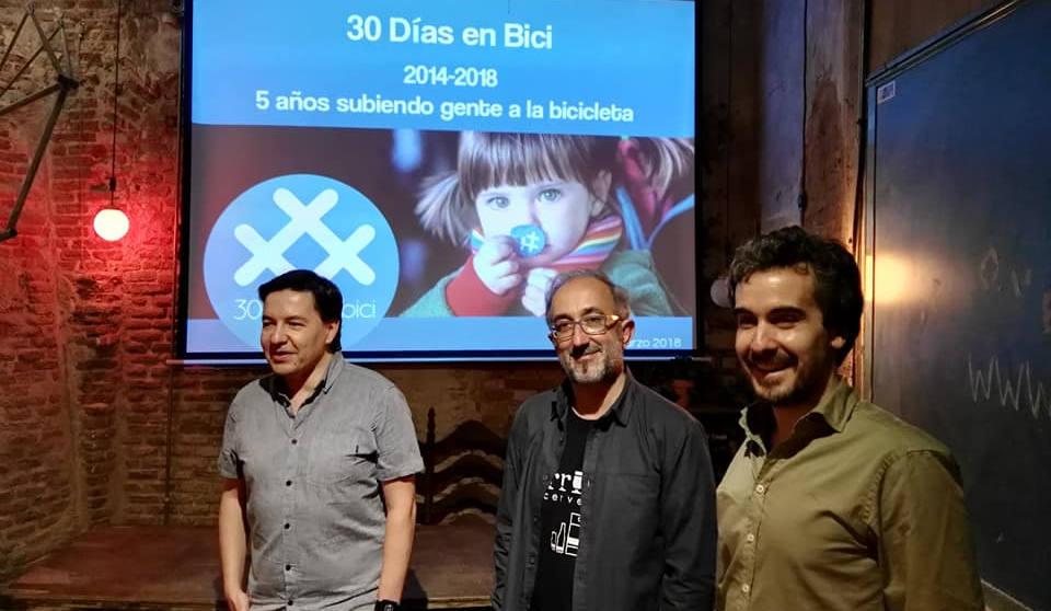 Carlos R. en La Bicicleta Café - 30 días en bici