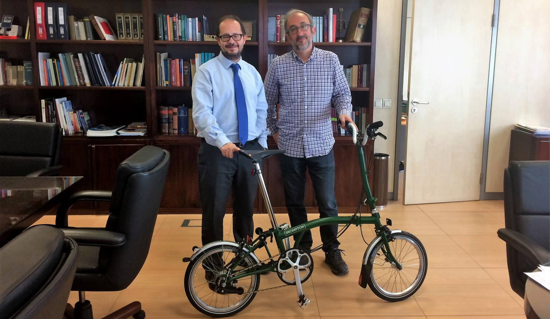Carlos R. en la DGT - 30 días en bici