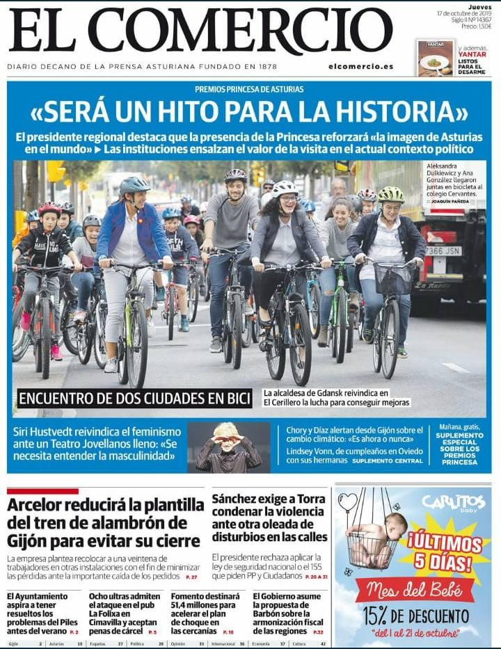Portada el Comercio del Paseo en bici con Aleksandra Dulkiewicz, alcaldesa de Gdansk, Premio Princesa de Asturias a la Concordia 2019 - 30 Días en Bici Gijón